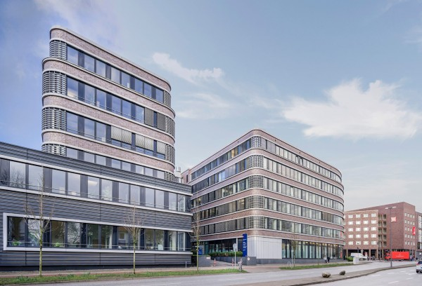 LEADING CITIES INVEST acquires the Hammer Strasse administration building in Hamburg